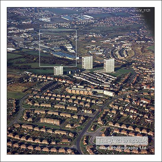 V1121 Aerial View Tanhouse Flats Colley Gate & Cradley Heath